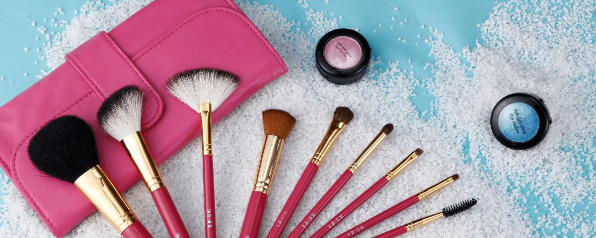 化妆刷新手攻略:我至少需要哪些必备刷子?