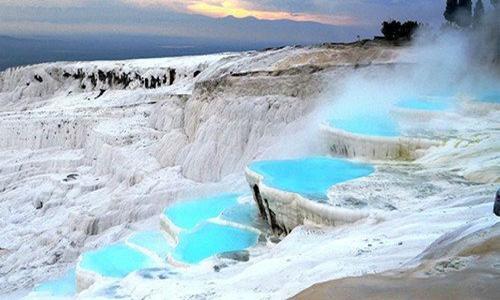 土耳其棉花堡温泉