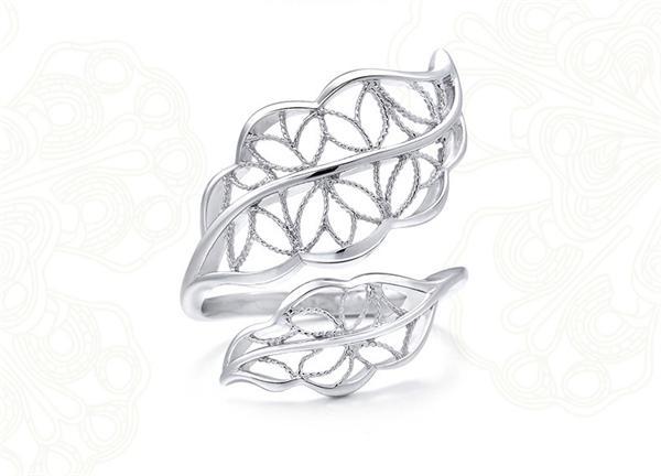 周生生 蕾丝树叶铂金戒指
