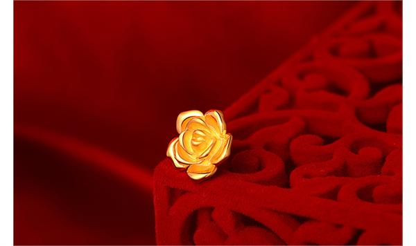 周大生 黄金玫瑰花转运珠