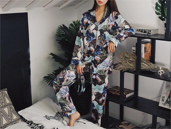 MOONPINK 丝绸印花睡衣
