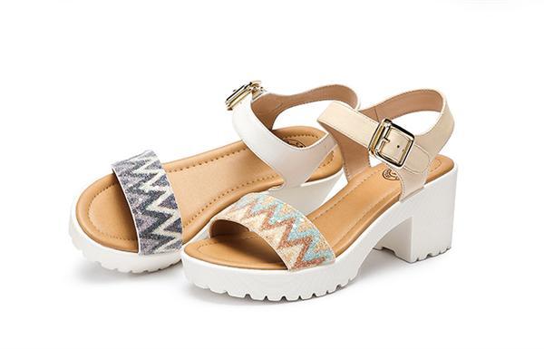 Camel/骆驼 一字扣真皮女士粗跟凉鞋