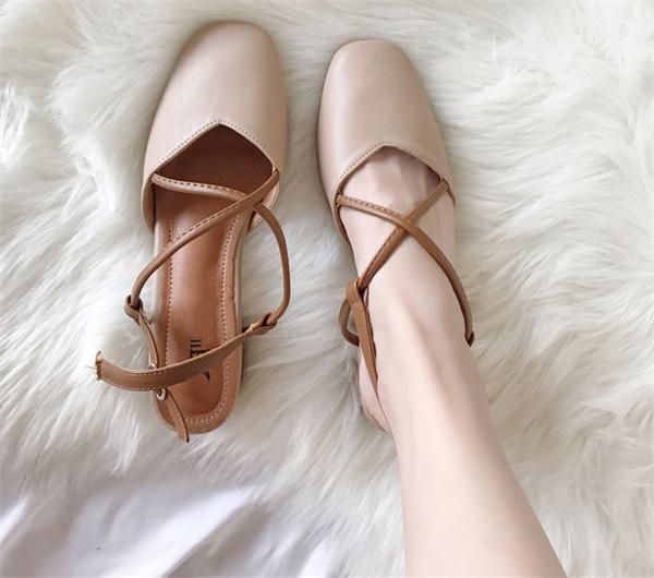 简兮女鞋定制 中跟复古方头交叉包头凉鞋