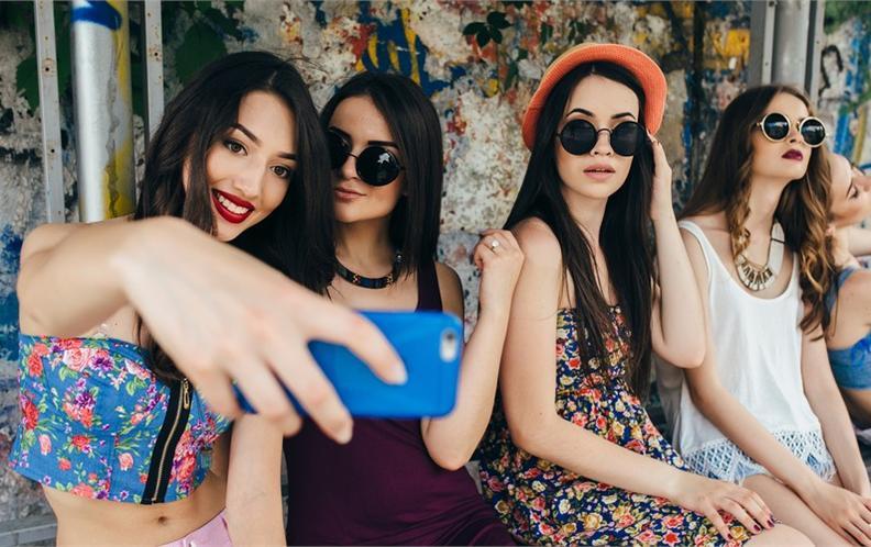 2018年6月2500元内最适合自拍直播的手机排行榜