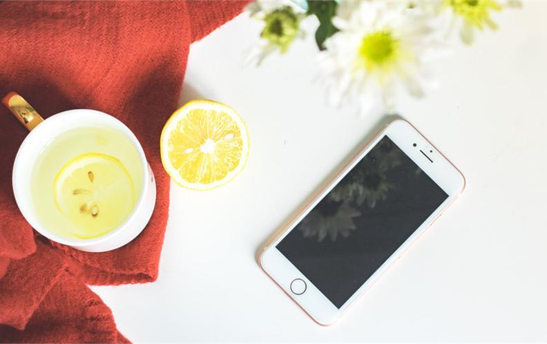 2018年大于6.0英寸的3000元以上智能手机排行榜