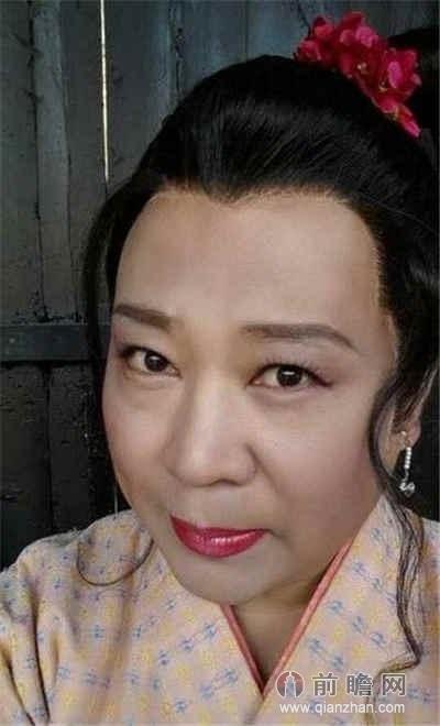 杨紫整容前后素颜惊悚