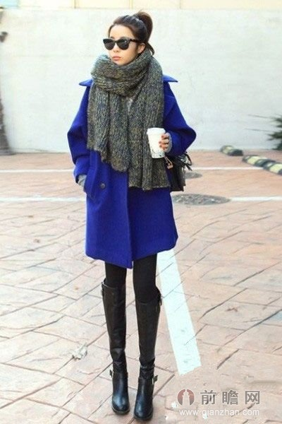 宝蓝色呢子大衣,高贵典雅