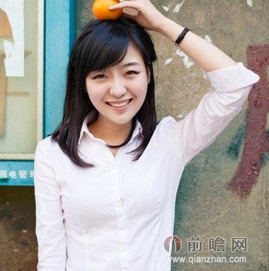 斜刘海塑造小脸美女
