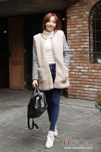 新年新搭配最显范; 街拍紧身牛仔裤时尚美女日本街拍