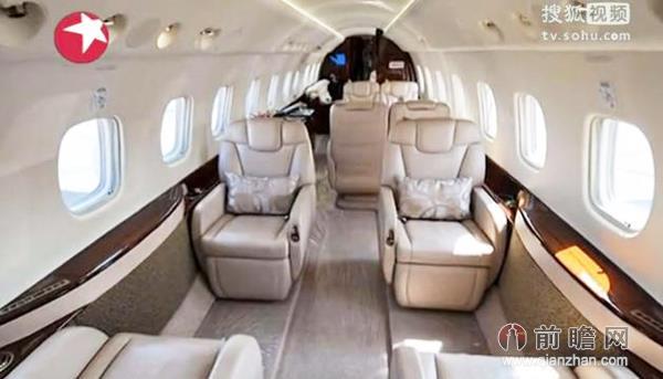 成龙价值2亿私人飞机曝光