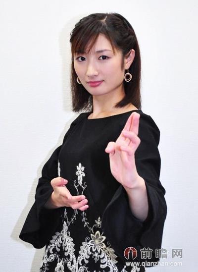 22岁日本空手道美女以头碎瓦震惊网友 竖