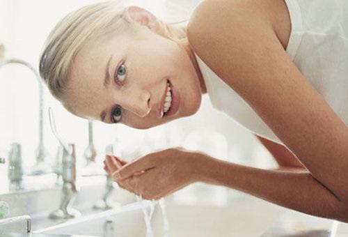洗脸清洁护肤美女模特