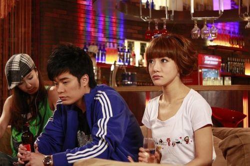 爱情公寓5将揭爱4贤菲恋谜团