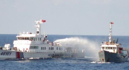 中越南海争端最新消息:中越军舰船只再爆水炮大战
