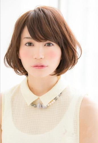 时尚 美容  圆脸女生其实最适合短发发型,肉肉的圆脸加上精致可爱的