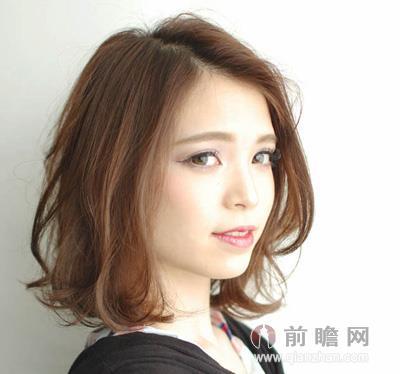 女生清新短发发型 发尾内扣修颜瘦脸