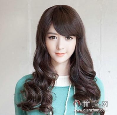 秋季女生长发发型 韩式卷发最受欢迎