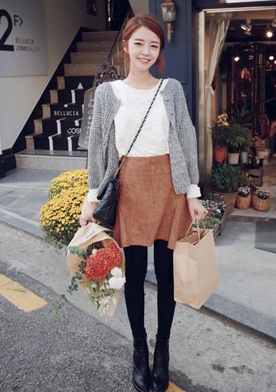 针织外套搭配连衣裙 秋天这样穿最时髦