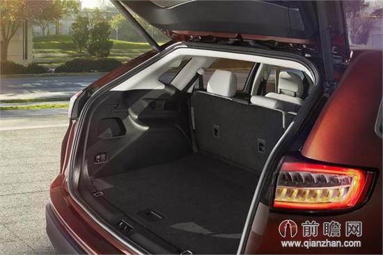 行李箱容积相比老款车型则增加了198l.