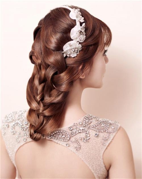 欧式新娘编发发型 时尚新娘妆发图片大全_美美编织图片