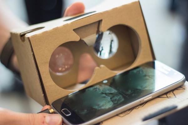 设计简单的虚拟现实设备,和已经停摆的谷歌智能眼镜项目相比