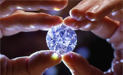 最完美无瑕的白色钻石拍卖价将超3300万美元