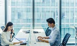 美联储调查:男性在管理退休投资计划上更自信