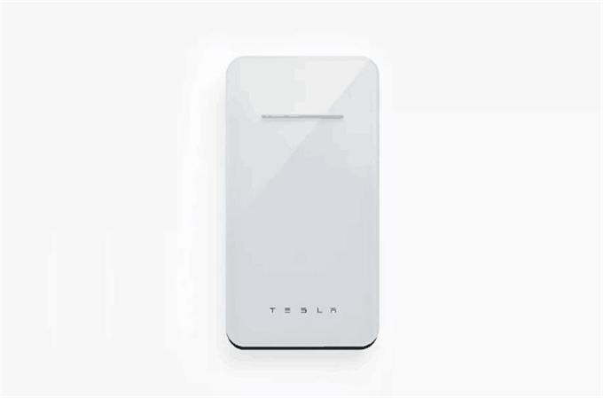 特斯拉推出智能手机无线充电器 售价65美元容量仅6000
