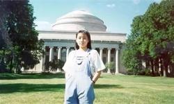 """14岁上中科大,18岁攻读麻省博士,28岁成为哈佛最年轻副教授,""""华人女天才""""的开挂人生"""