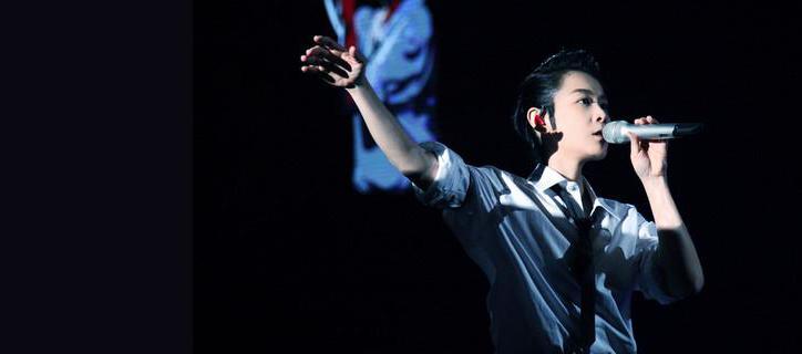 劉若英演唱會收官 現場與梁靜茹對嘴親吻