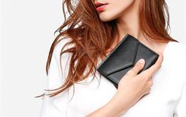 2017年十款200-400元小巧实用的女士短款钱包排行