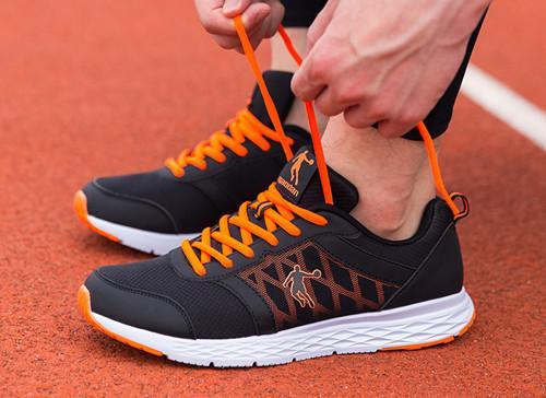 乔丹 XM1560239跑步鞋