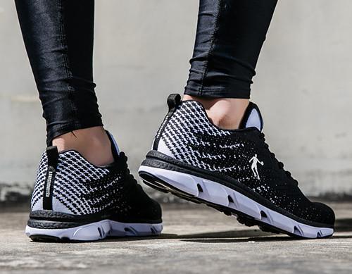 乔丹 XM1570262跑步鞋