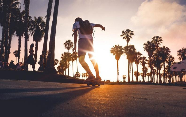 2018年最值得购买100元以内的青少年双翘滑板排行榜