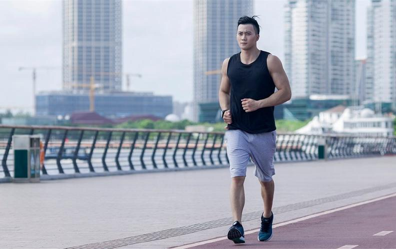 2018年十款150元以内最值得购买的男士透气跑鞋排行榜