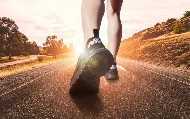 2018年十款200元以上最值得购买的男士透气跑鞋排行榜