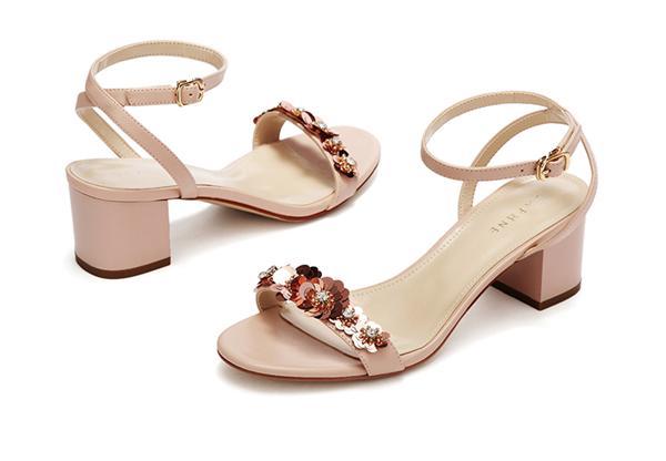 Daphne/达芙妮 亮片花朵一字带女凉鞋