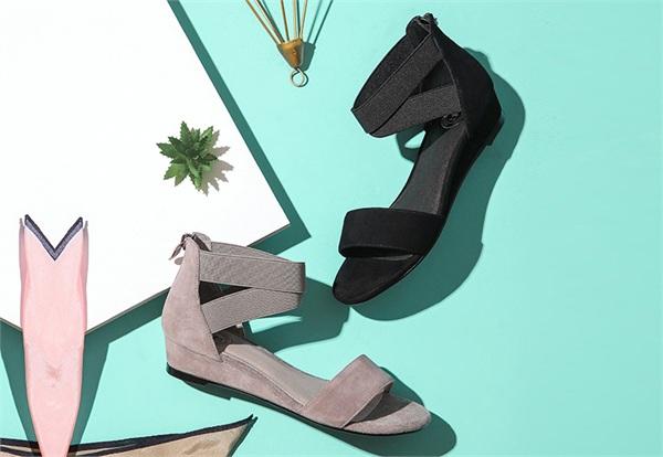 Camel/骆驼 简约时尚凉鞋