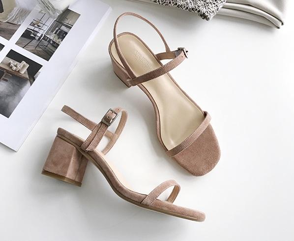 一力米灰定制女鞋 一字扣带粗跟凉鞋