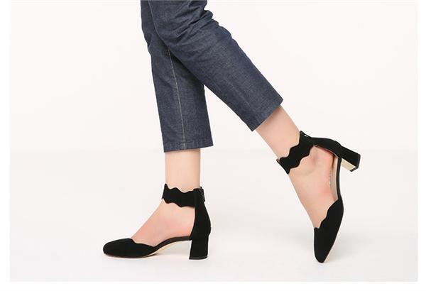 Staccato/思加图 包脚中跟女凉鞋