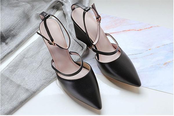袁圈圈高端女鞋工作室 包头粗跟凉鞋