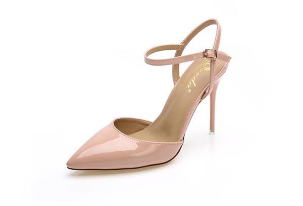 潮女时代精品女鞋 尖头包脚凉鞋