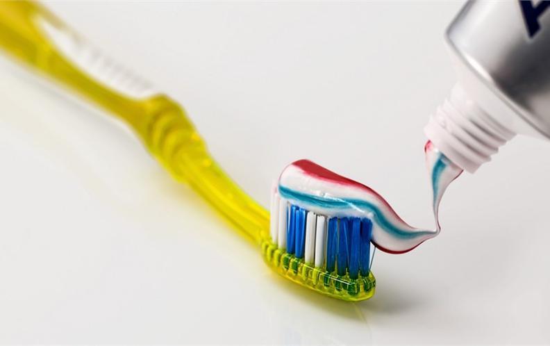2018年十款200元以内感应式充电的成人电动牙刷排行榜