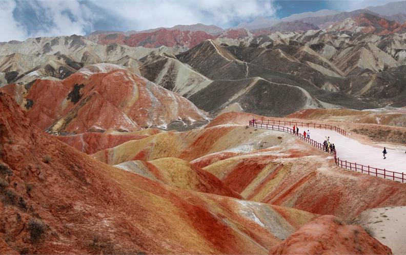 甘肃省值得去的十大旅游景点排行