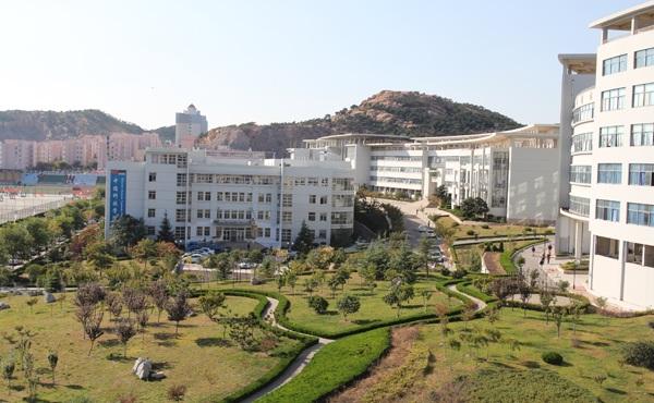 青岛科技大学