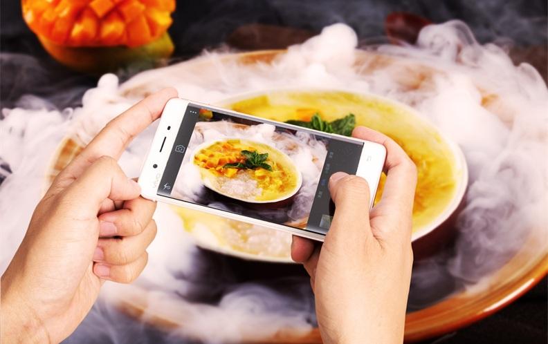 2019年4月4000元以上光学防抖拍照手机排行榜