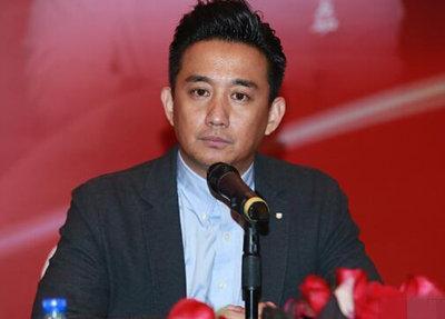 何炅/去年10月底,黄磊与何炅合伙开公司的消息被曝出,两人还站在量...