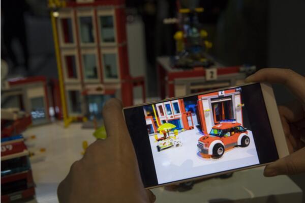 康得新与中兴合作结硕果 加速布局裸眼3D生态平台