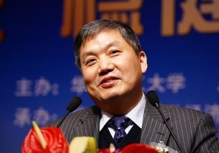 杨成长:中国盖了全世界一半的房子 卖了50多亿部手机