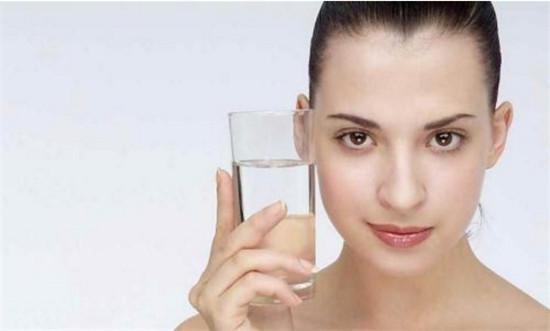 椰子水的功效